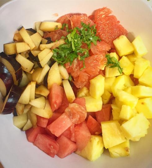 fruit sald mixing bowl